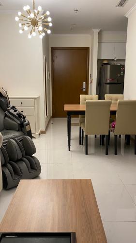 Căn hộ Vinhomes Central Park Bình Thạnh Căn hộ Vinhomes Central Park tầng 15 nội thất đầy đủ, ban công Đông Nam