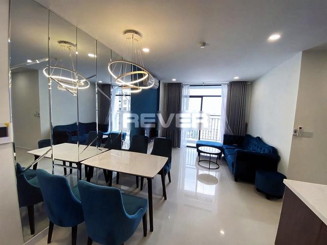 Căn hộ Central Premium cửa hướng Đông Nam, đầy đủ nội thất sang trọng.