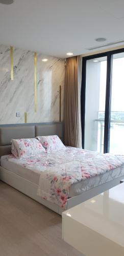 phòng ngủ Vinhomes Golden River Căn hộ Vinhomes Golden River tầng trung, nội thất đầy đủ