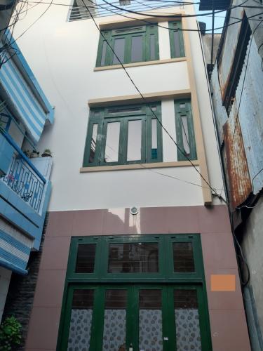 Nhà hẻm xe ba gác cách mặt tiền 20m, gần chợ Bà Chiểu, diện tích 42m2.