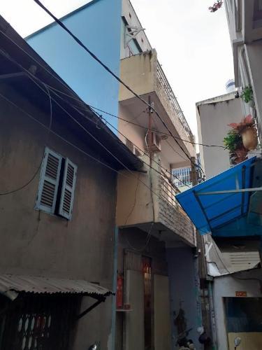 Bên ngoài nhà phố Nhà phố diện tích sử dụng 104.3m2, hướng cửa Đông Bắc.