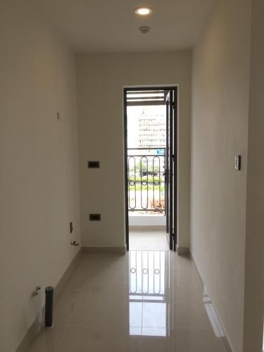 Phòng khách , Căn hộ Saigon Royal , Quận 4 Căn hộ Saigon Royal tầng thấp hướng cửa Đông Nam, view nội khu yên tĩnh.