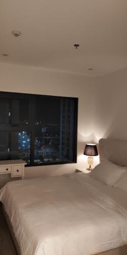 Phòng ngủ Vinhomes Grand Park Quận 9 Căn hộ Vinhomes Grand Park tầng cao, ban công view Đông Nam.