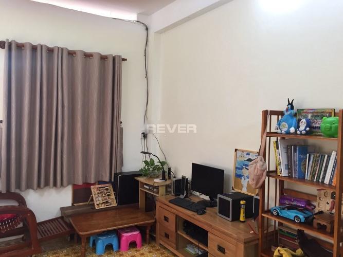 Căn hộ Hùng Vương tầng 4 view thoáng mát, nội thất cơ bản.