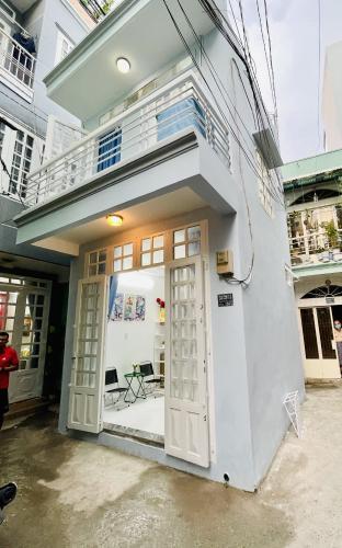 Nhà phố đường nhựa xe hơi vô tận nhà, thiết kế kỹ lưỡng đầy đủ nội thất.