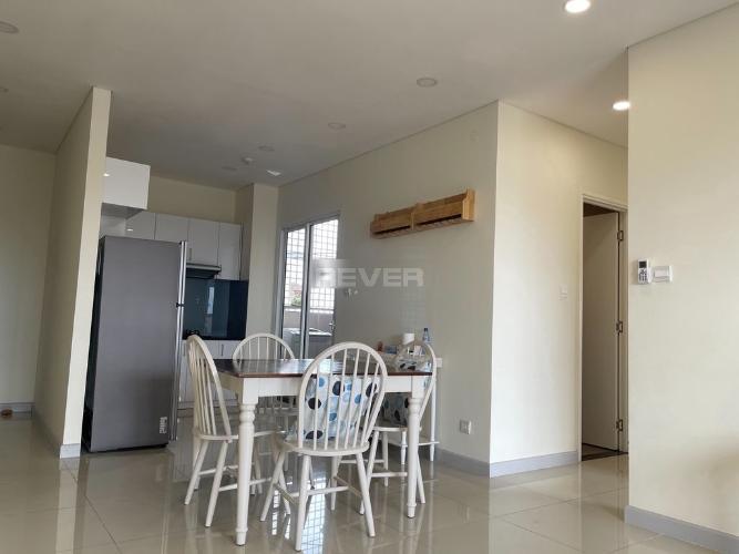 Không gian căn hộ Dragon Hill 2, Nhà Bè Căn hộ Dragon Hill 2 tầng 4, phòng khách đón gió và nắng tự nhiên.