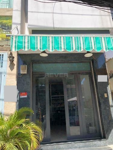 Bên trong nhà phố Dương Bá Trạc, Quận 8 Nhà nguyên căn tiện kinh doanh, mở văn phòng công ty, hướng Tây Nam.