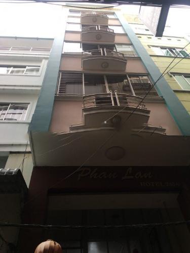 Nhà phố ngay khu phố Tây sầm uất, thích hợp cho thuê khách sạn.