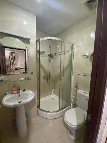 Phòng tắm , Căn hộ Res III , Quận 7 Căn hộ Res III tầng thấp view thoáng mát có 2 phòng ngủ, đầy đủ nội thất