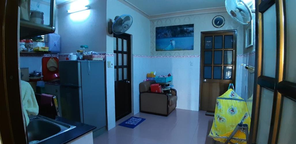 Căn hộ chung cư Trần Nhân Tôn tầng thấp, bàn giao nội thất cơ bản.