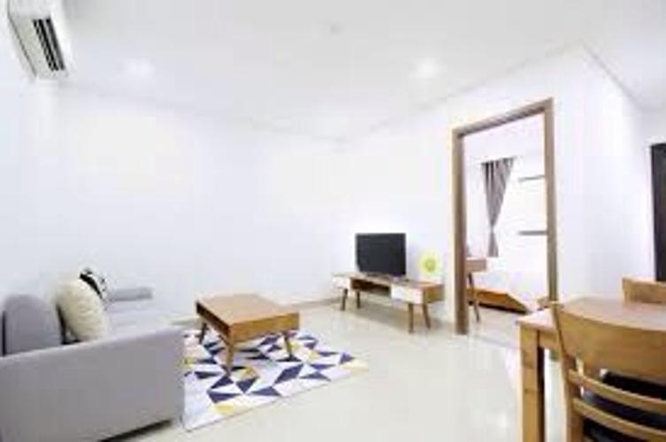 Phòng khách của căn hộ dịch vụ quận 10 Cho thuê căn hộ dịch vụ đường Ba tháng Hai, Quận 10, diện tích 35m2, cách Nhà hát Hòa Bình 200m