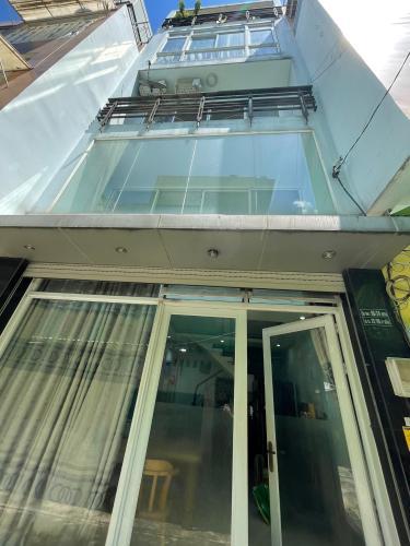 Nhà phố Quận 3 Nhà phố diện tích 27m2 có đầy đủ nội thất, khu dân cư sầm uất.