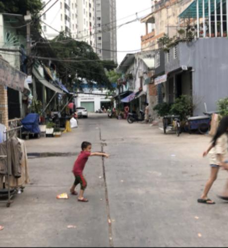 Đường hẻm nhà phố Quận Bình Tân Nhà phố hẻm rộng 10m Q.Bình Tân hướng Nam diện tích 120m2, có sổ đỏ.