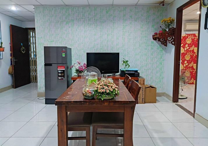 Căn hộ Chung cư Phố Đông không gian yên tĩnh, nội thất cơ bản.
