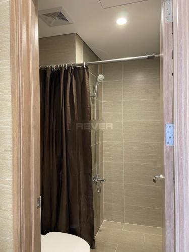 Toilet Vinhomes Grand Park Quận 9 Căn hộ Vinhomes Grand Park tầng cao, ban công hướng Tây Bắc.