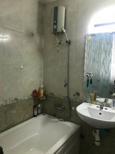 Nhà vệ sinh căn hộ Chung cư Vạn Đô Căn hộ chung cư Vạn Đô tầng 10 view thoáng mát, đầy đủ nội thất.