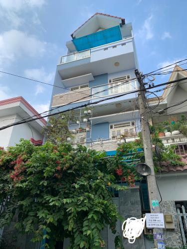 Nhà phố gần KDC Vạn Phúc City kết cấu 1 trệt 3 lầu, nội thất cơ bản.