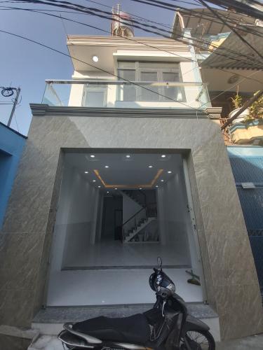Mặt tiền Nhà phố hướng Đông, hẻm thông tứ hướng, nội thất cơ bản.