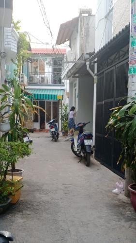 Hẻm vào nhà Nhà phố hẻm rộng 3m hướng Tây, diện tích 95.85m2.
