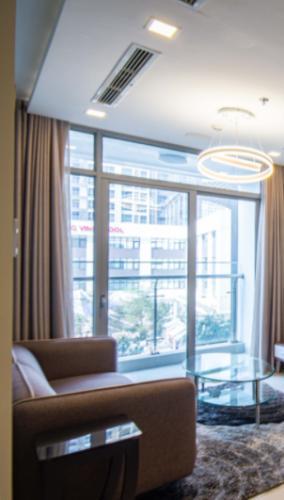 Căn hộ cao cấp Vinhomes Central Park tầng 2, nội thất đầy đủ tiện nghi.