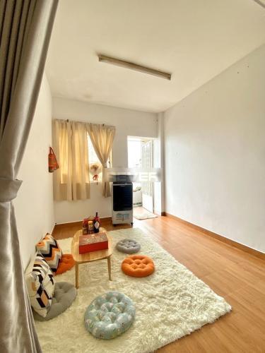 Phòng khách chung cư Mười Mẫu, Quận 2 Căn hộ chung cư Mười Mẫu đầy đủ nội thất, hướng Nam.