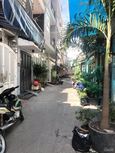 Nhà phố hẻm đường Cách Mạng Tháng 8, diện tích 95.5m2 đầy đủ tiện ích.