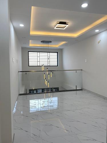 Phòng ngủ nhà phố Phạm Văn Chí, Quận 6 Nhà phố hướng Đông Nam, hẻm 6m cách mặt tiền 3 căn nhà.