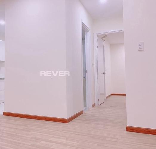 Căn hộ Diamond Riverside 2 phòng ngủ thoáng mát, nội thất cơ bản.