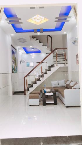 Phòng khách Nguyễn Duy Cung, Gò Vấp Nhà phố hướng Bắc, hẻm trước nhà thông thoáng 1 trục 4m.