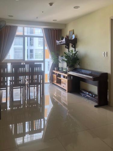 Phòng khách căn hộ Conic Skyway, Bình Chánh Căn hộ Conic Skyway 2 phòng ngủ, tầng trung view thoáng mát.