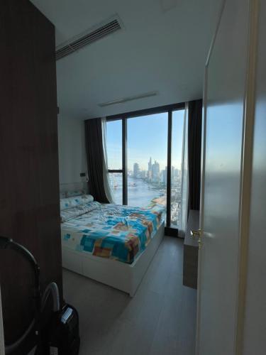 Phòng ngủ căn hộ Vinhomes Golden River, Quận 1 Căn hộ Vinhomes Golden River đầy đủ nội thất, thiết kế sang trọng.