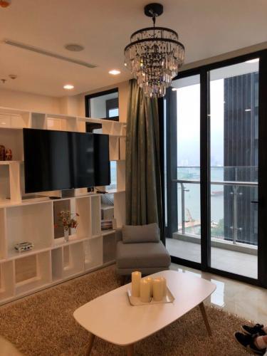 Căn hộ tầng 19 Vinhomes Golden River đầy đủ nội thất