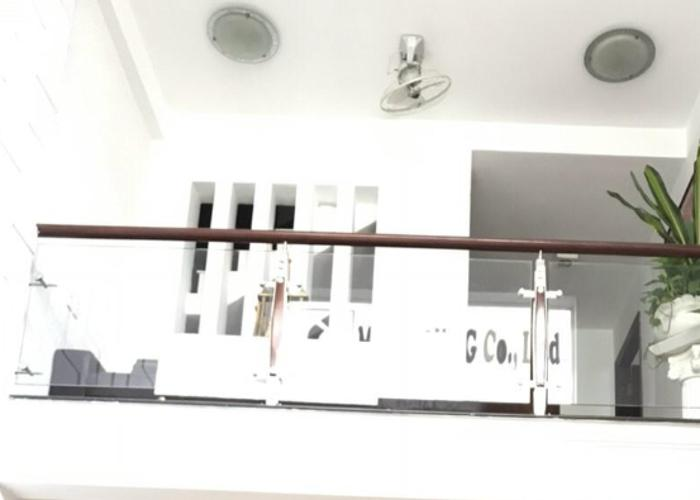 Phòng khách nhà phố Quận Tân Bình Nhà phố Q.Tân Bình diện tích 55.3m2, bàn giao kèm nội thất cơ bản.