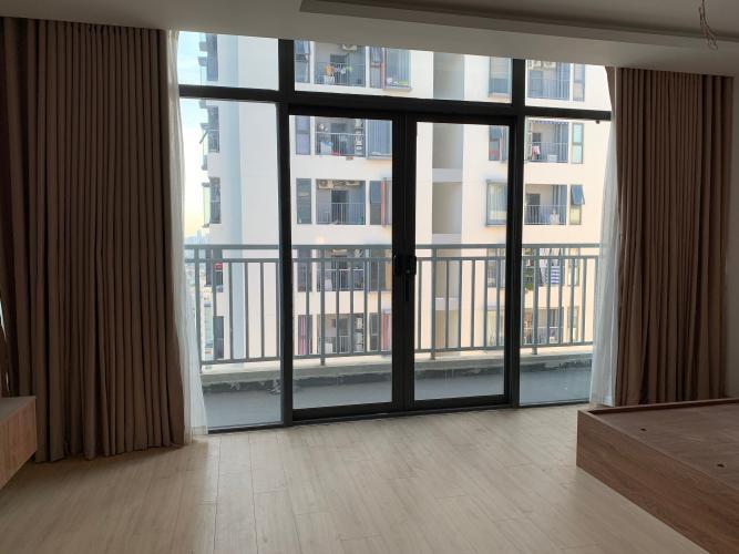 căn hộ La Astoria quận 2 Căn hộ La Astoria tầng cao, ban công hướng Tây đón view thành phố.