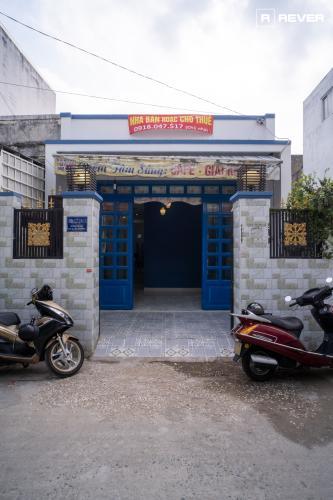 Mặt tiền nhà đường Huỳnh Tấn Phát, Nhà Bè Nhà phố trung tâm thị trấn Nhà Bè hướng Tây Nam, hẻm trước rộng 6m.