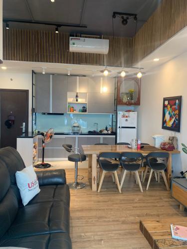 Căn hộ tầng 24 Sunrise Riverside nội thất đầy đủ
