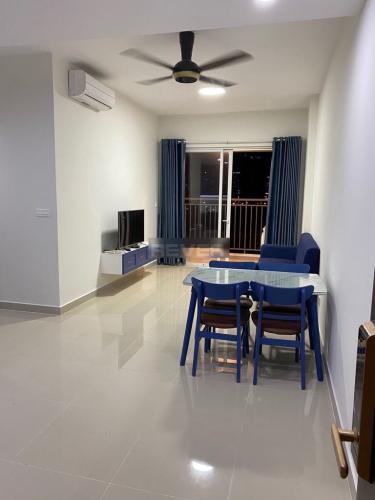 Căn hộ Sunrise Riverside đầy đủ nội thất, hướng Tây Nam.
