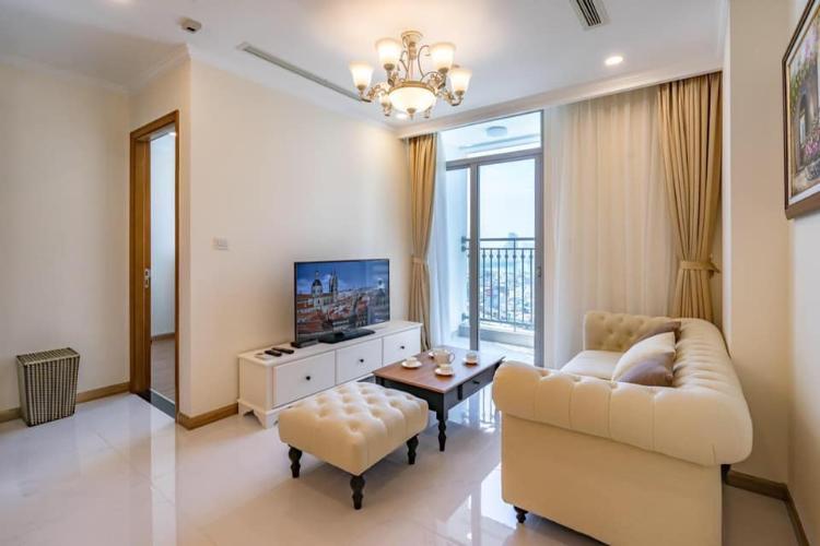 Phòng khách căn hộ Vinhomes Central Park Căn hộ Vinhomes Central Park hướng Đông Nam, đầy đủ tiện nghi.