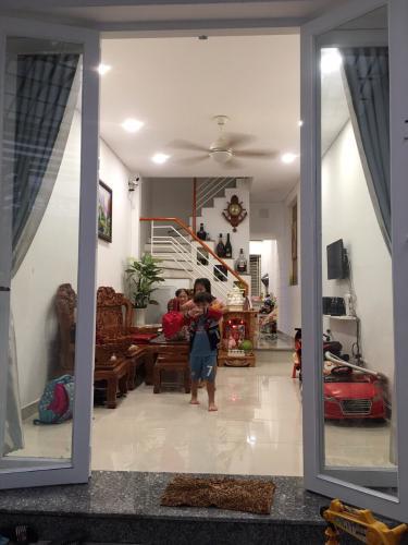 Bán nhà phố hẻm 2 tầng đường Tôn Đản, P.14, quận 4, diện tích đất 47.5m2, tặng kèm nội thất, giá cả thương lượng.