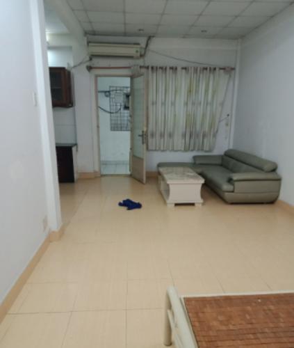 Phòng khách chung cư 43 Hồ Văn Huê, Phú Nhuận Căn hộ chung cư Hồ Văn Huê ban công hướng Tây, nội thất cơ bản.