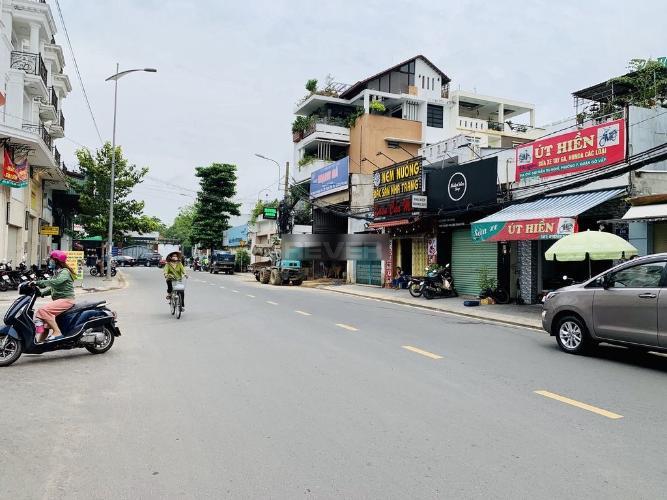 Đường mặt tiền Mặt bằng kinh doanh Quận Gò Vấp diện tích 28m2, hướng Đông.
