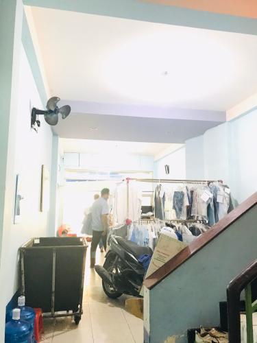 Tầng trệt nhà phố quận 4 Bán nhà phố 4 phòng ngủ đường hẻm Nguyễn Trường Tộ, diện tích đất 86.6m2, diện tích sàn 167.4m2, sổ hồng đầy đủ