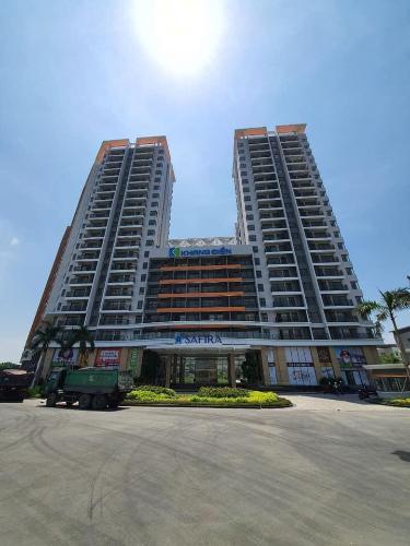 Mặt trước khu căn hộ Safira Khang Điền Bán căn hộ Safira Khang Điền 1 phòng ngủ, tầng 16, không có nội thất