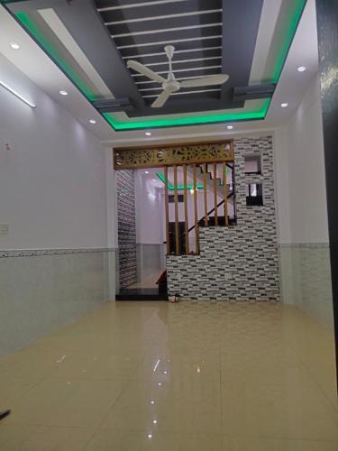 Văn phòng Quận Bình Tân, thiết kế hiện đại 1 trệt 3 lầu diện tích 100m2.