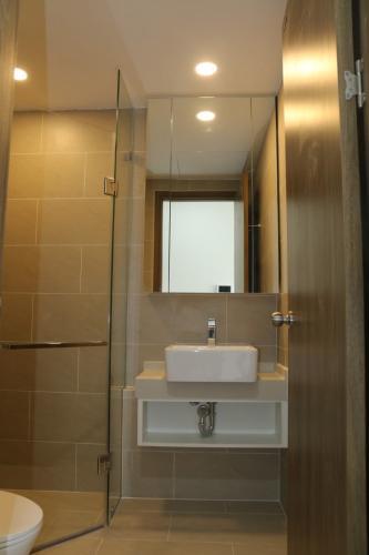 Phòng tắm căn hộ River Panorama, Quận 7 Căn hộ River Panorama nội thất cơ bản, view tầng cao đón gió mát.