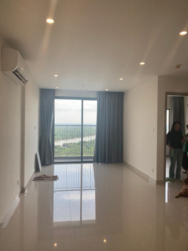 Căn hộ Vinhomes Grand Park tầng 25 nội thất cơ bản, view sông Tắc mát mẻ