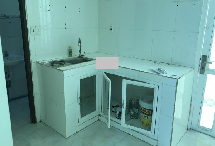 Phòng bếp nhà phố Bình Tân Nhà phố mặt tiền Đường số 4 diện tích 60m2, sổ hồng pháp lý rõ ràng.