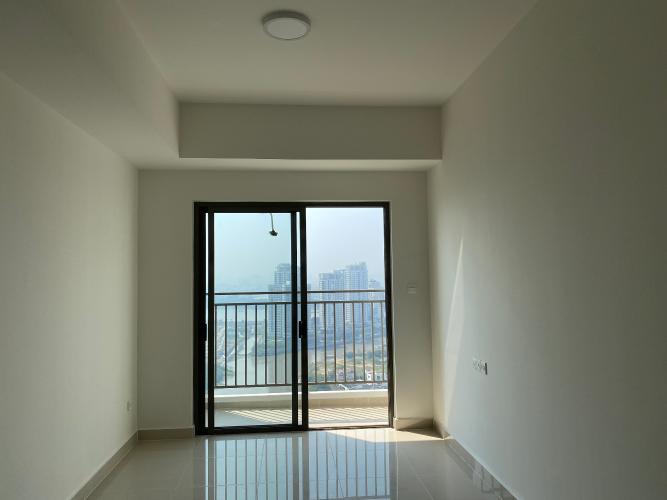 Căn hộ The SUn Avenue tầng 26 view thành phố sầm uất, nội thất cơ bản.
