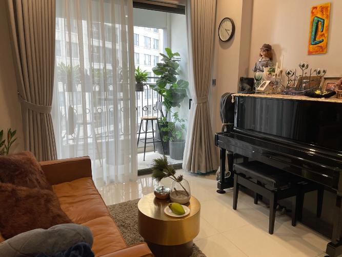 Căn hộ Saigon Royal tầng 11 diện tích 83m2, đầy đủ nội thất.