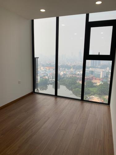 Căn hộ Eco Green Saigon tầng cao ban công đón gió, nội thất cơ bản.